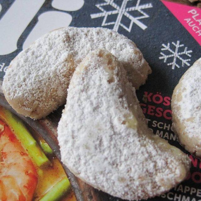 Frisch gebloggt Vegane Vanillekipferl! Wirklich ein himmlisches Rezept die Kipferlhellip