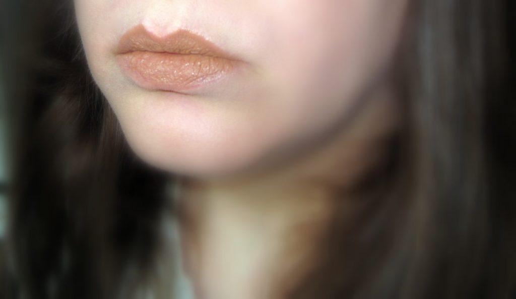 alva_lippenstift_M2 nude brown