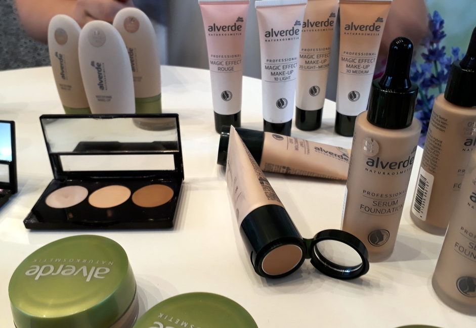 Neue Produkte von alverde Naturkosmetik für den Teint