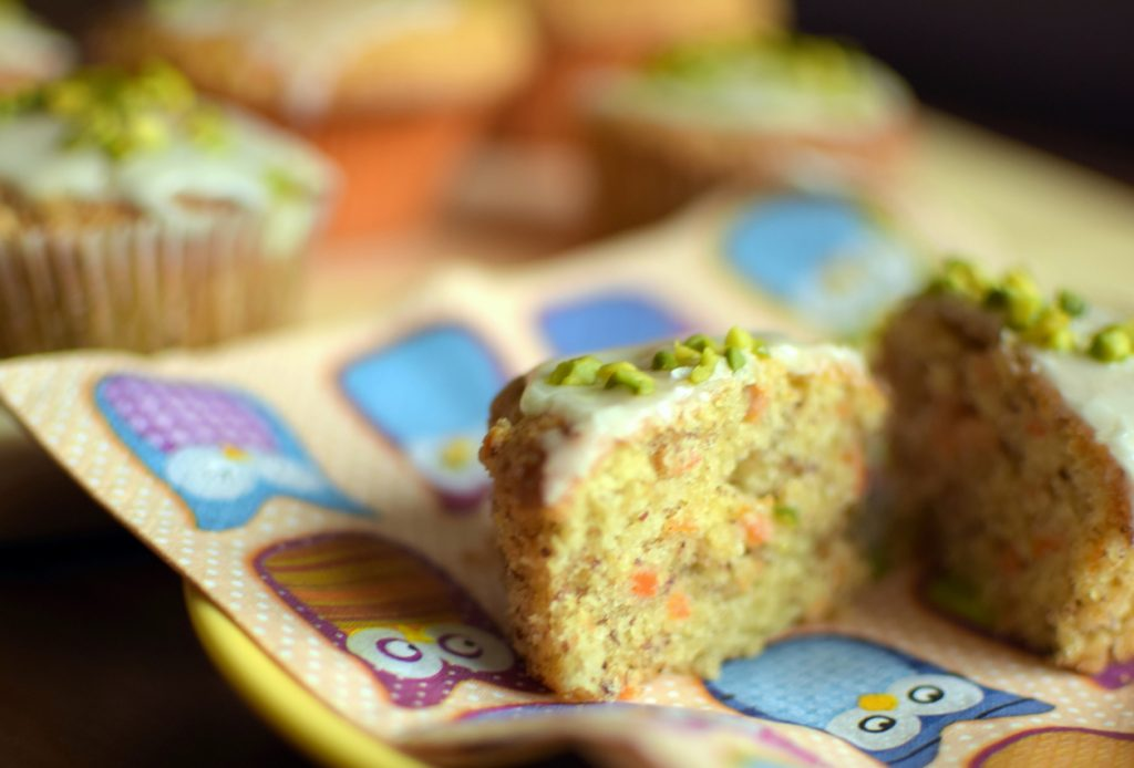 Angeschnittenes Möhren-Muffin