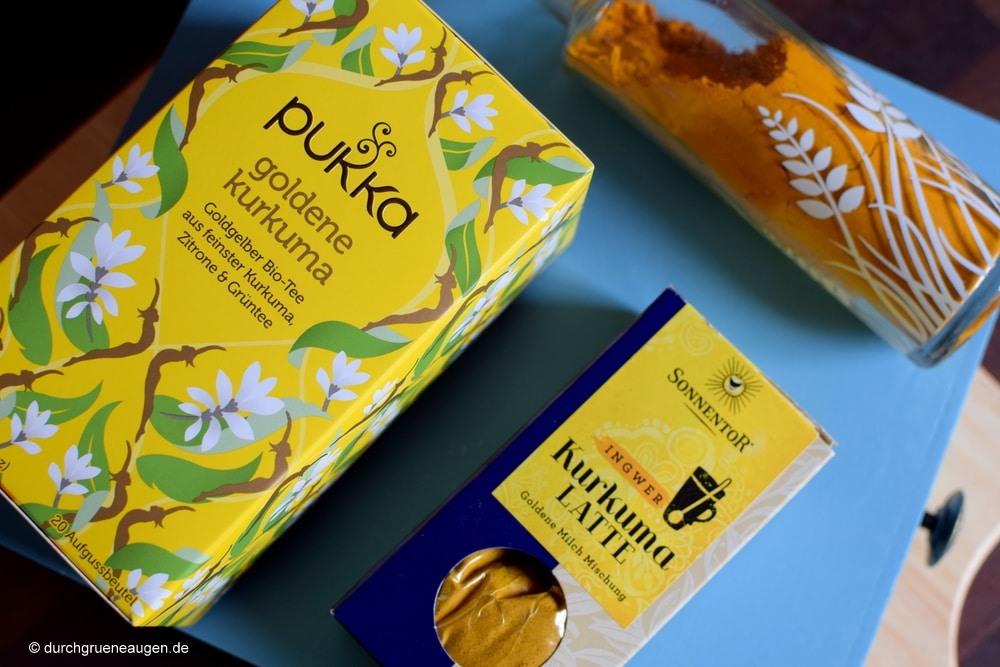 Tee und goldene Milch mit Kurkuma