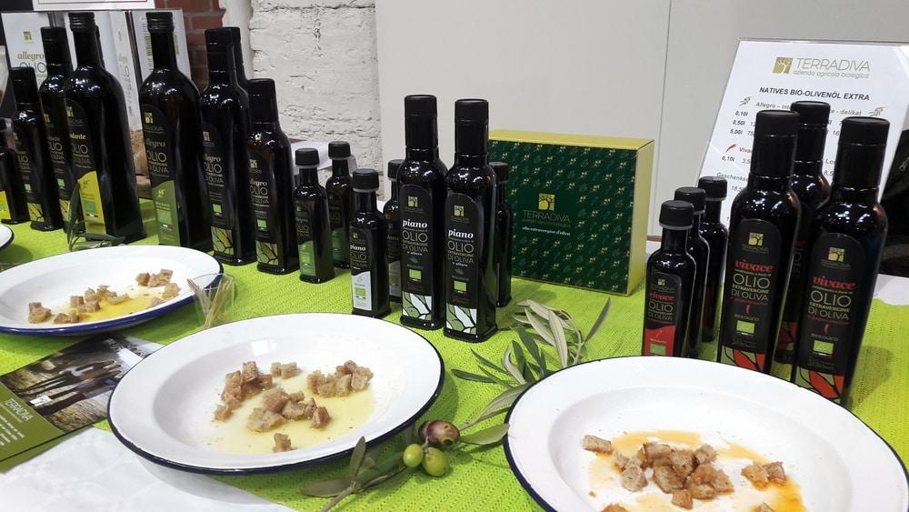 Verschiedene Olivenöle von Terradiva